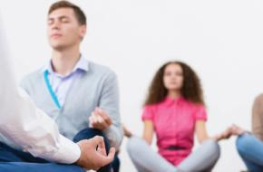 6 Beneficios Del Yoga En El Lugar De Trabajo